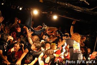 【悲報】声優の小倉唯さんのライブ、厄介騒ぎでファンが流血沙汰になってしまう事件に [無断転載禁止]©2ch.net [568044175]->画像>20枚